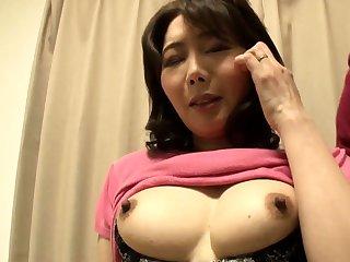Sexy Japanese milf fucking hardcore