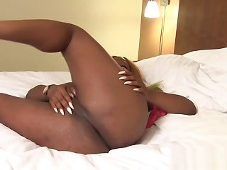 Ebony tranny loves to wanking her black cock