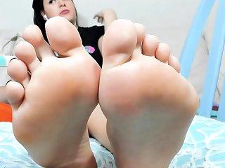 thaitoes asian feet foot cum footjob foot fetish