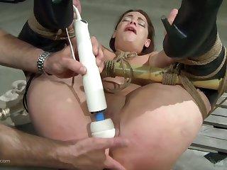Handsome dude doing exactly what Ten needs for an strong orgasm