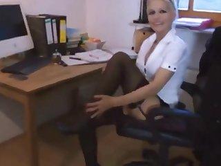 Stunning Secretary Likes Analverkehr mit ihrem Chef