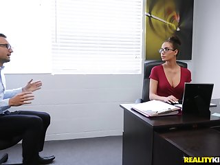 Secretary leaves the new boss to take good care of her snatch