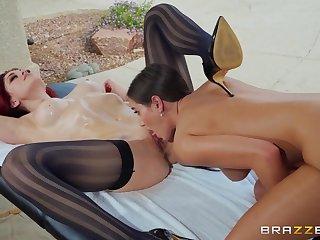 Kinky girls enjoy having passionate sex - Desiree Dulce & Molly Stewart