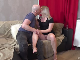 Slim honey enjoys a pretty hard dong ramming her pink cherry