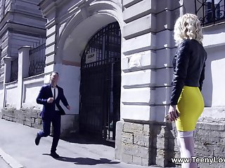 Dude with a long rod fucks mouth and pussy of sexy Aurora Sky